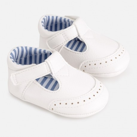 Chlapecké boty Mayoral 9272-82 bílá