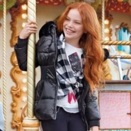 Zimní bunda s lesklou kapucí dívky Mayoral 7425-69 černá