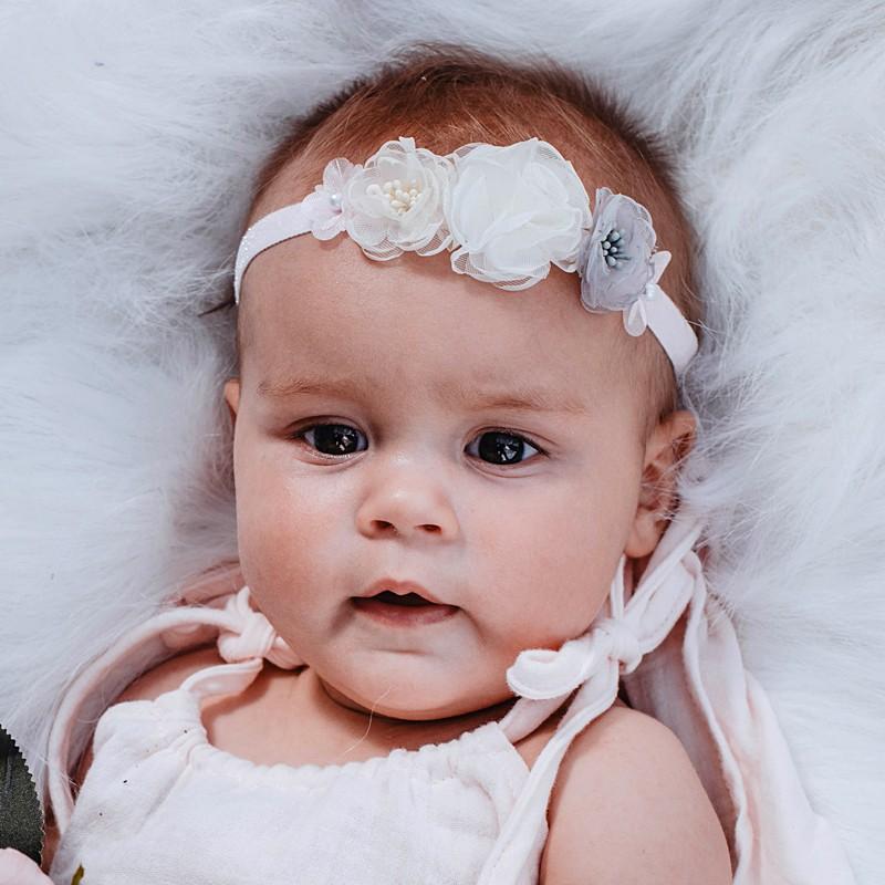 PASTELOVA Elegantní čelenka pro dívku Jamiks JLC090 bílá